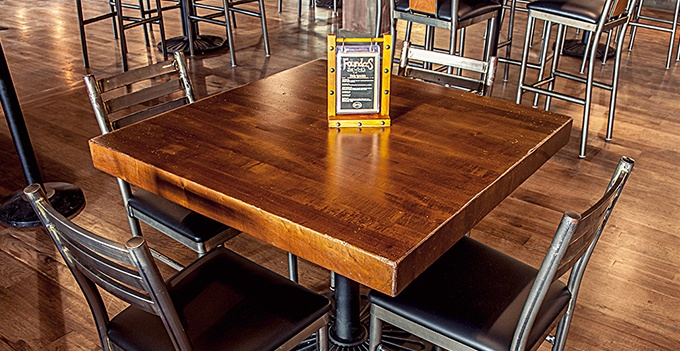 201701_GRC_Square-Helpful-Guide-to-Restaurant-Table-Selection_Body2.jpg
