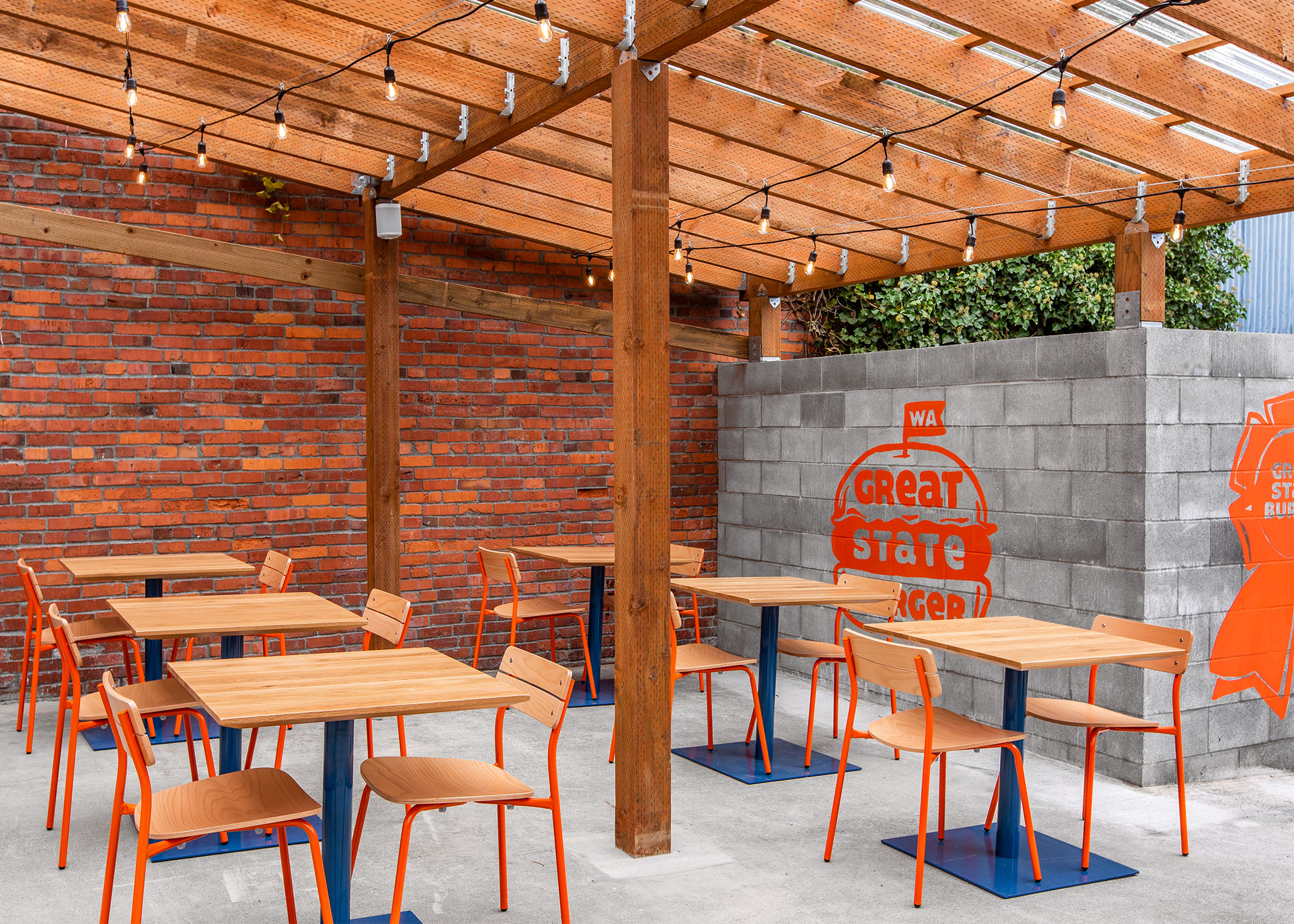 Contemporary-Burger-Restaurant-Design-Sherman-Chairs-and-Brady-Tables