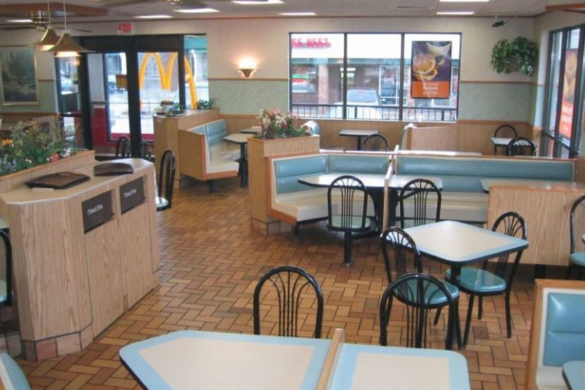 Fast Food Interior Design Through The Years Mcdonald S