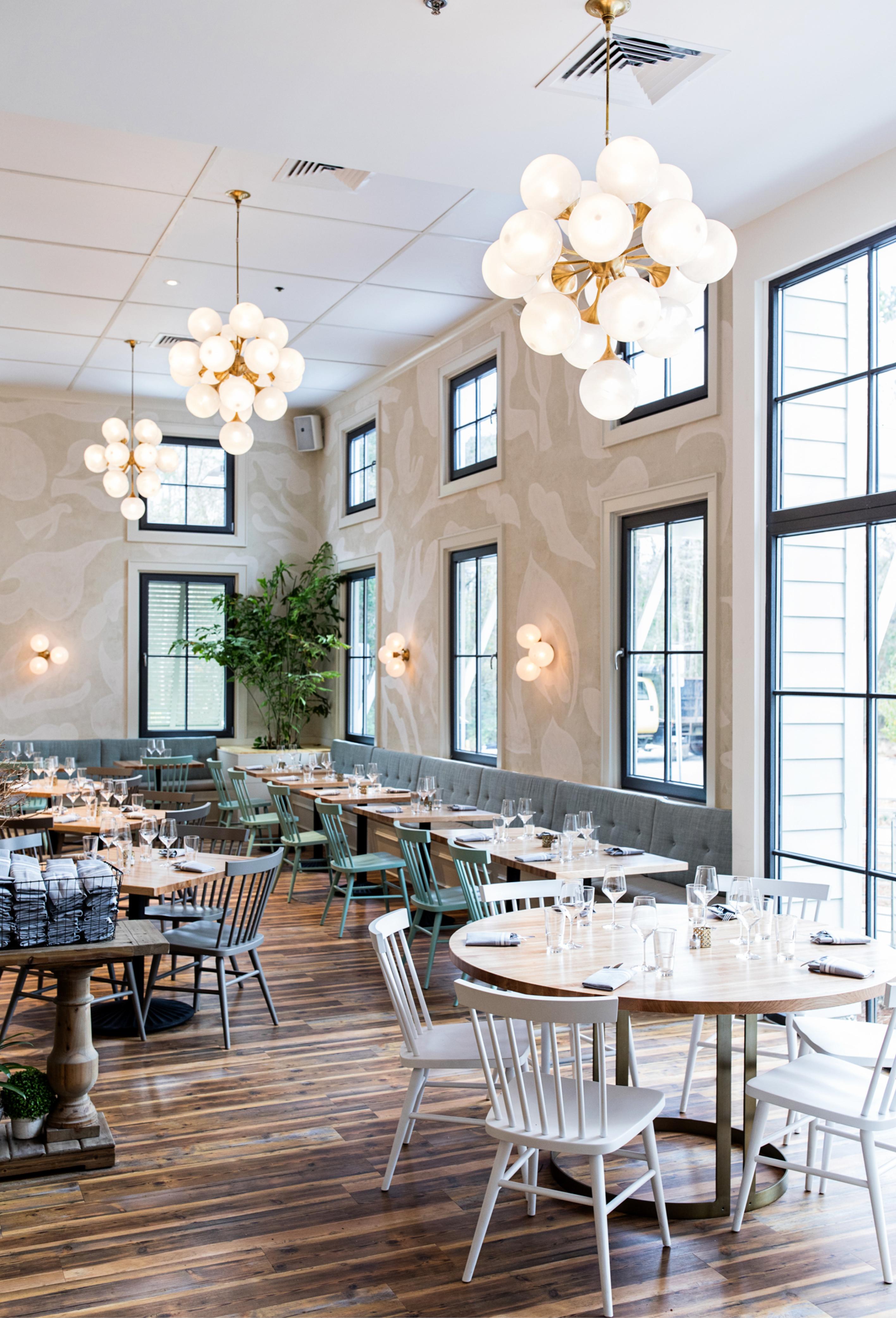The Royal Tern_Traditional Restaurant Design_Hugh_w515_long