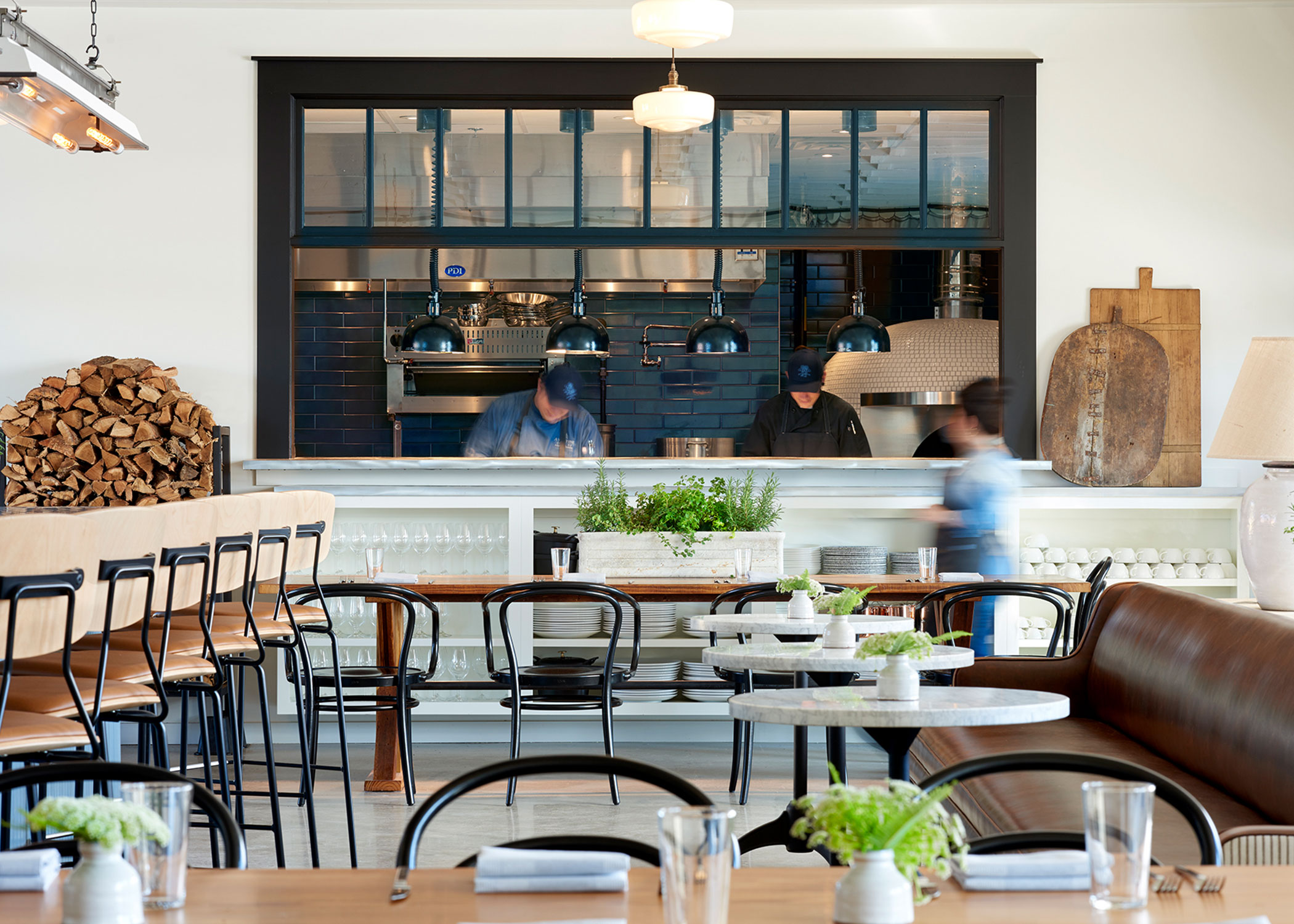 farm-to-table-restaurant-design-Aventine