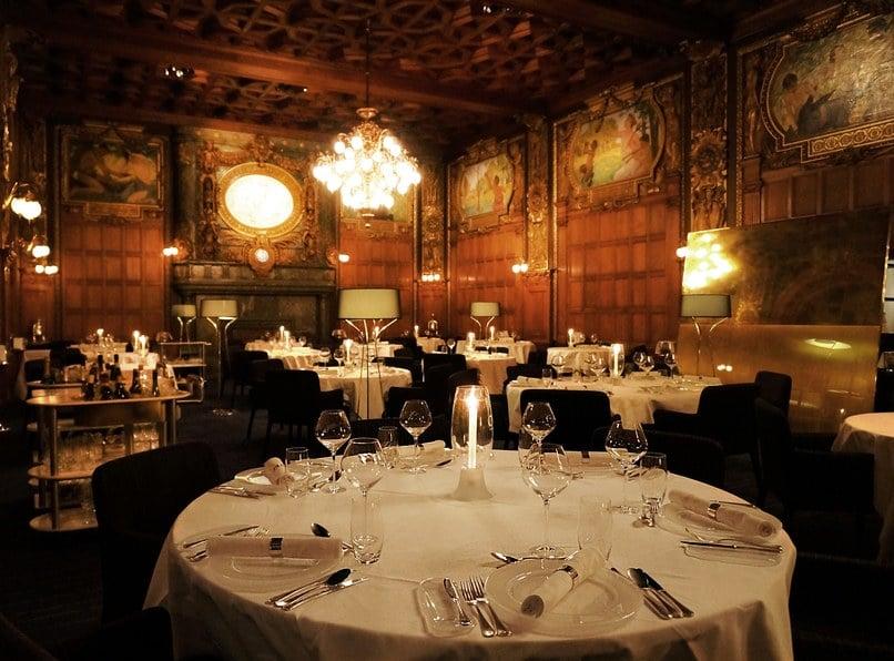 restaurantfurniturearoundtheworld3.jpg