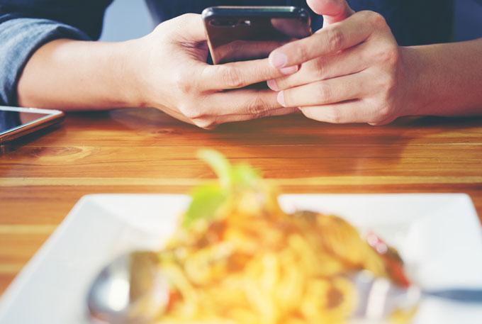 2018-GrandRapidsChair-tech-trends-in-the-restaurant-industry